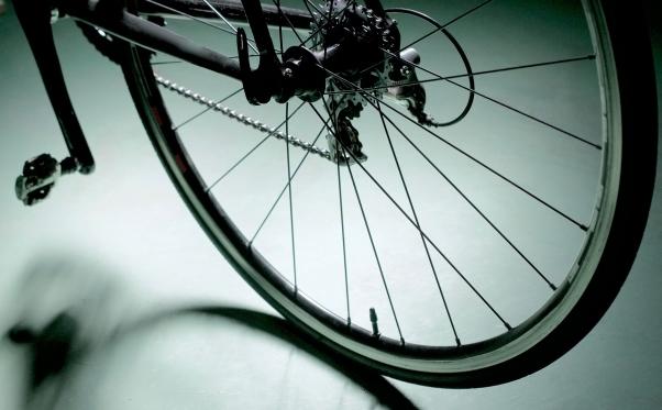 ノーパンクタイヤを装備したロードバイクのホイール